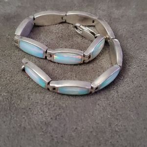 Mother of pearl and silver bracelet